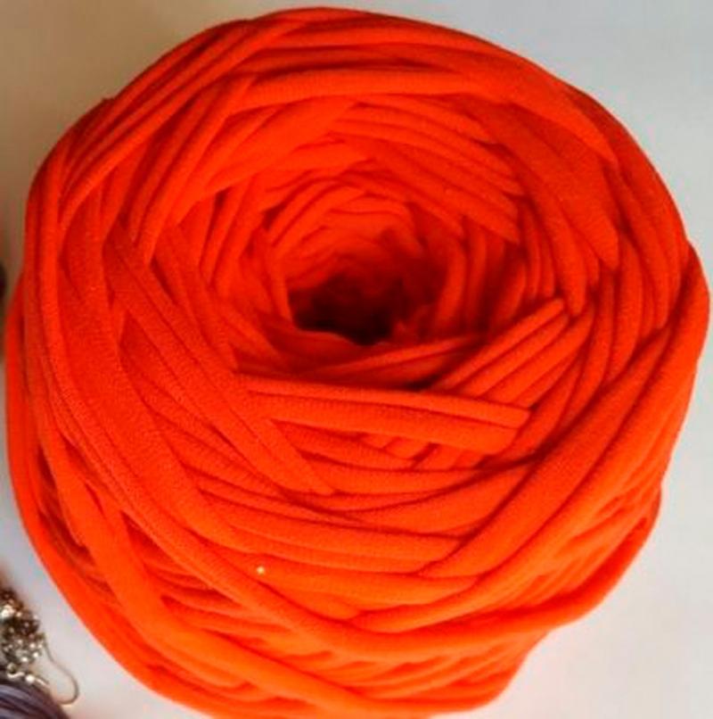Трикотажная пряжа Цвет. Коралл